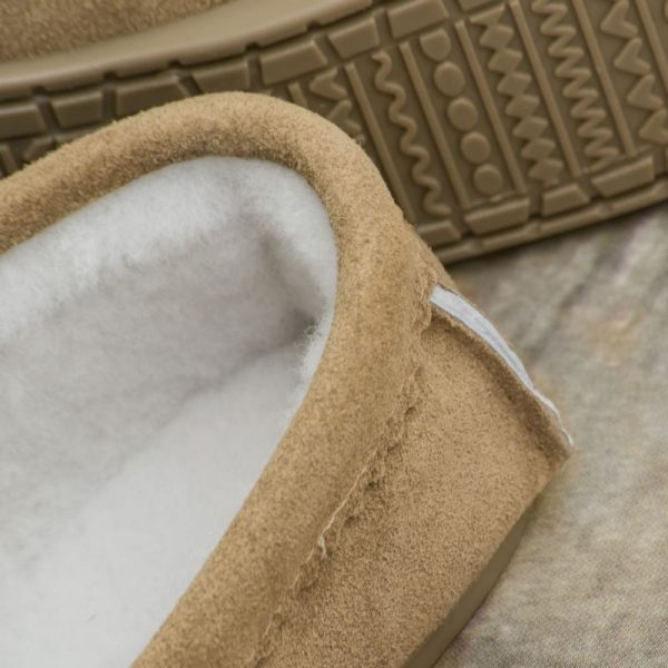 Handmade Sahara Sheepskin Moccasin Slippers stitching detail with white sheepskin