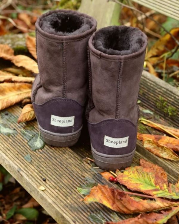Sheepland outdoor classic boots in brown, autumn leaves