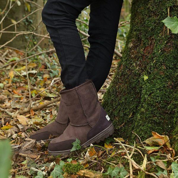 Sheepland short sheepskin boots in chocolate