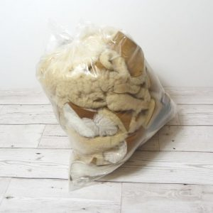 Mixed 100% sheepskin offcuts, large bag of sheepskin pieces