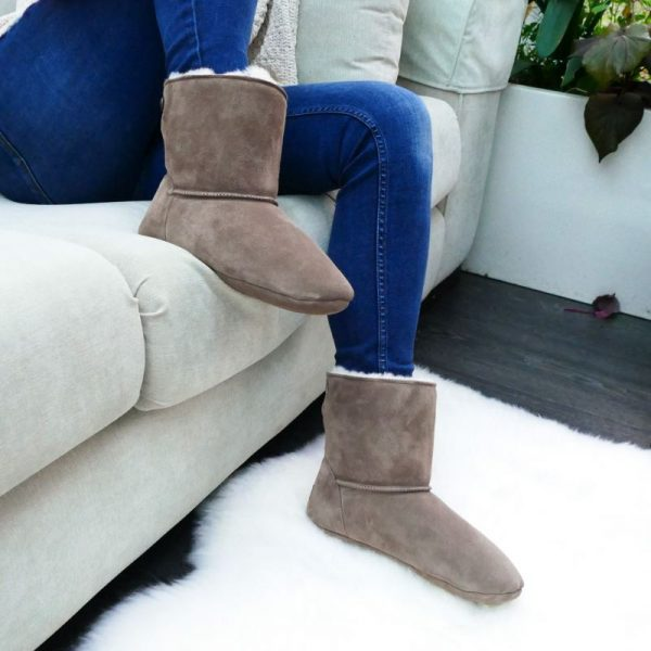 The deep natural fur forms a soft warm layer. These Sheepskin slippers from Sheepland, cushion your feet, from toe to ankle in warmth and luxury
