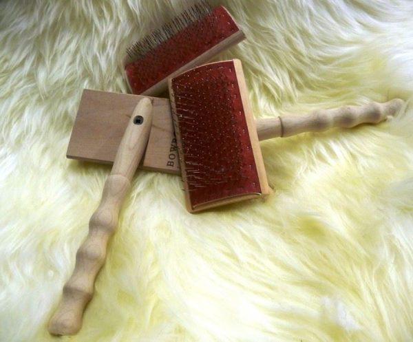 Sheepland sheepskin brush