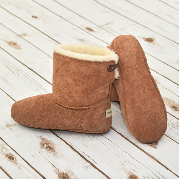 Natural Sheepskin, fantastic for feet! Sheepskin slippers are a natural addition to your wardrobe.